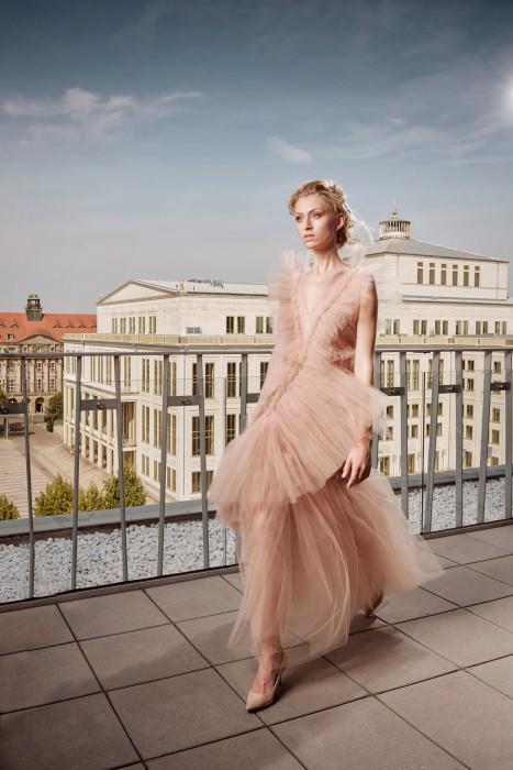 https://www.felixabraham.de/files/gimgs/th-19_opernball_fashion2336.jpg